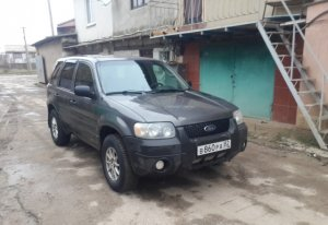 Ford Escape 2004 Саки