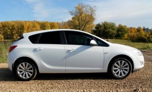 Opel Astra 2011 Лукоянов